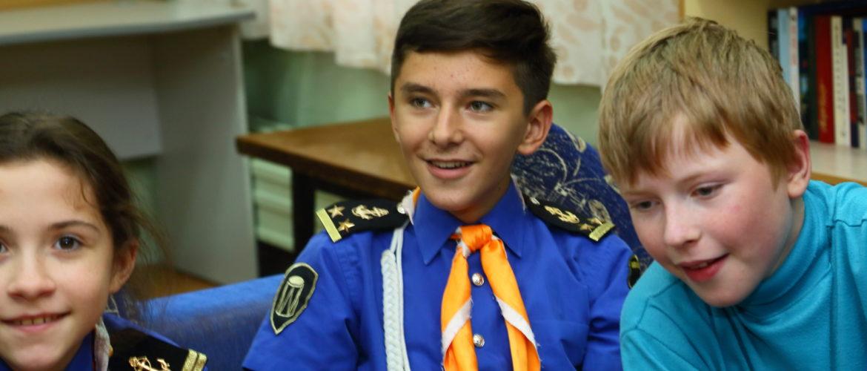 Максим Головизнин - в центре